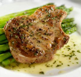 12 Delicious Budget Pork Chop Recipes, Plus 2 New Fried Pork Chops #recipes from @RecipeLion