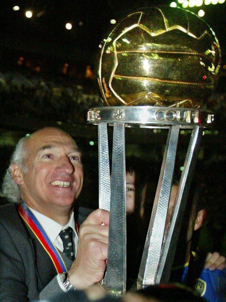 Carlos Bianchi...  5 Titulos locales 3 Copas Libertadores 2 Copas del Mundo ... Eternamente Gracias, Virrey !!!!!