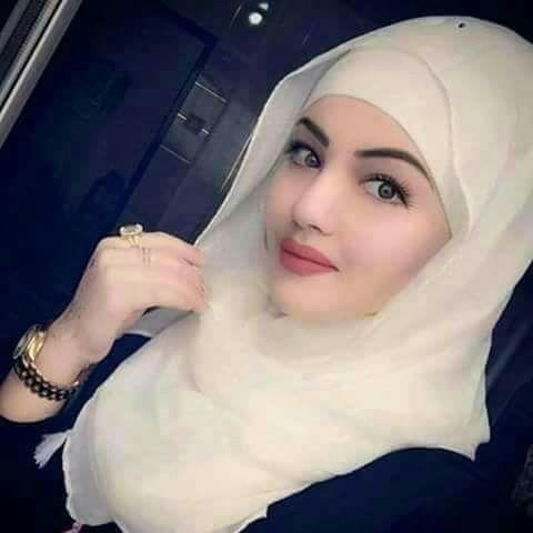 A Very Pretty Muslimah Lady