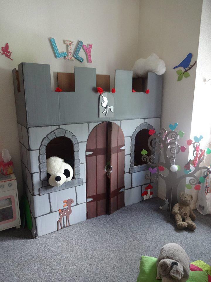 Château en carton / cardboard castle