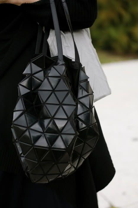 Issey MiyakeGucci Purses, Design Handbags, Issey Miyake Bag, Issey Miyake Handbags, Burberry Handbags, Awesome Handbags, Leather Handbags, Gucci Handbags, Fashion Handbags
