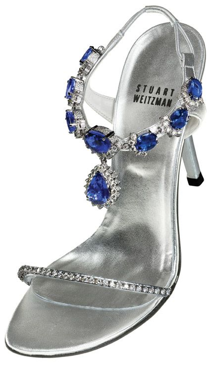 Stuart weitzman worked together with Le. Stuart to adorn the front side of the shoe with 28-carat of diamond, he added 185carat brilliant cut tanzanite to sweeten it ,and he employed 595carat platinum diamond taken from Kwiat to adorned the 4.5 inches heels .