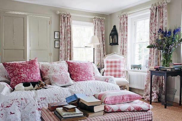Another dreamy cottage living room! ❤