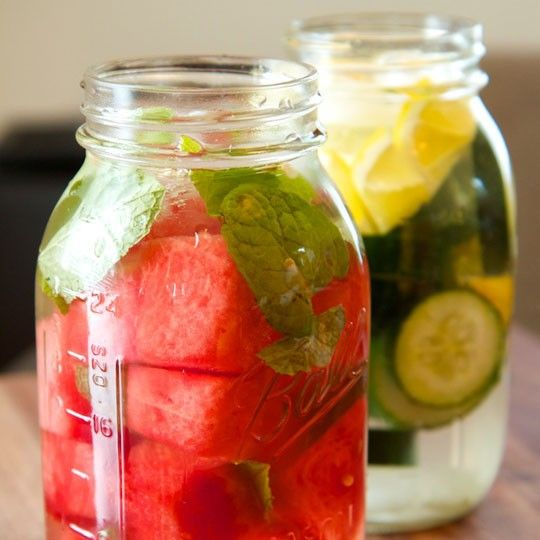 Whether you're just trying to steer clear of the sugary drinks, or aim to really help your body flush out any toxins lurking in your system, this refreshing blend of foods and flavors will satisfy your tastebuds needs. Included: Watermelon/cucumber, lemon/lime, mint leaves, and water. Why...