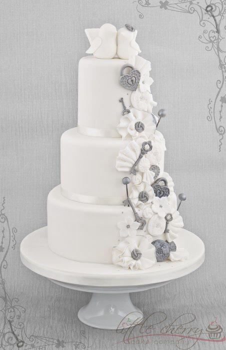 Love Bird Wedding Cake - Cake by Little Cherry
