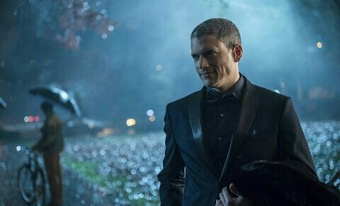Legends of tomorrow 1x04 White kinghts