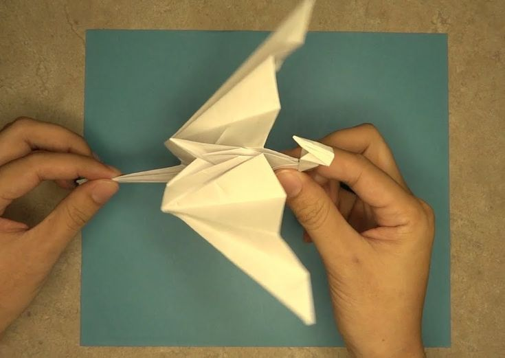 Visit my blog @ http://mrorigami.com/ Flapping Dragon This is an instructional video on how to make an origami flapping dragon. I hope you enjoy, and please ...