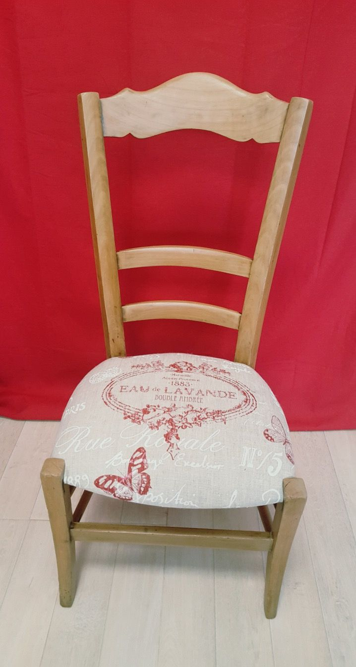 Chaise De Nourrice Ou Cheminee Garniture Contemporaine Tapissier Tissu