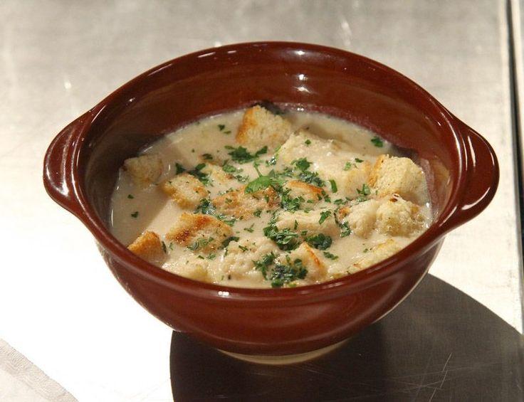 Reteta Constantin Stoleru: Supa crema de usturoi - www.Foodstory.ro