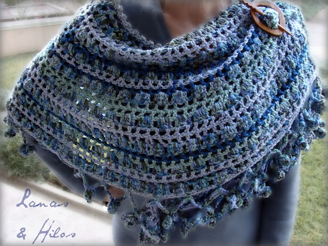 Crescent Moon Shawl Free Crochet Pattern : CRESCENT MOON SHAWL in Blues Crochet Pinterest Shawl ...