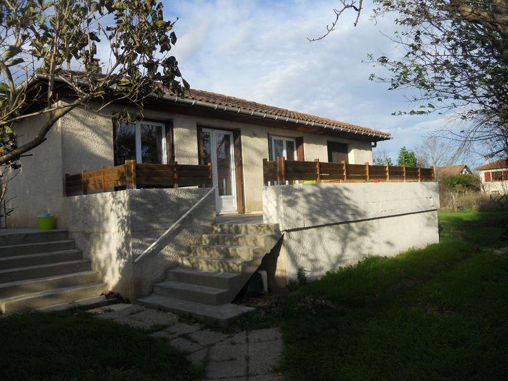 Maison sur pilotis, Piscine resine et Terrasse bois composite