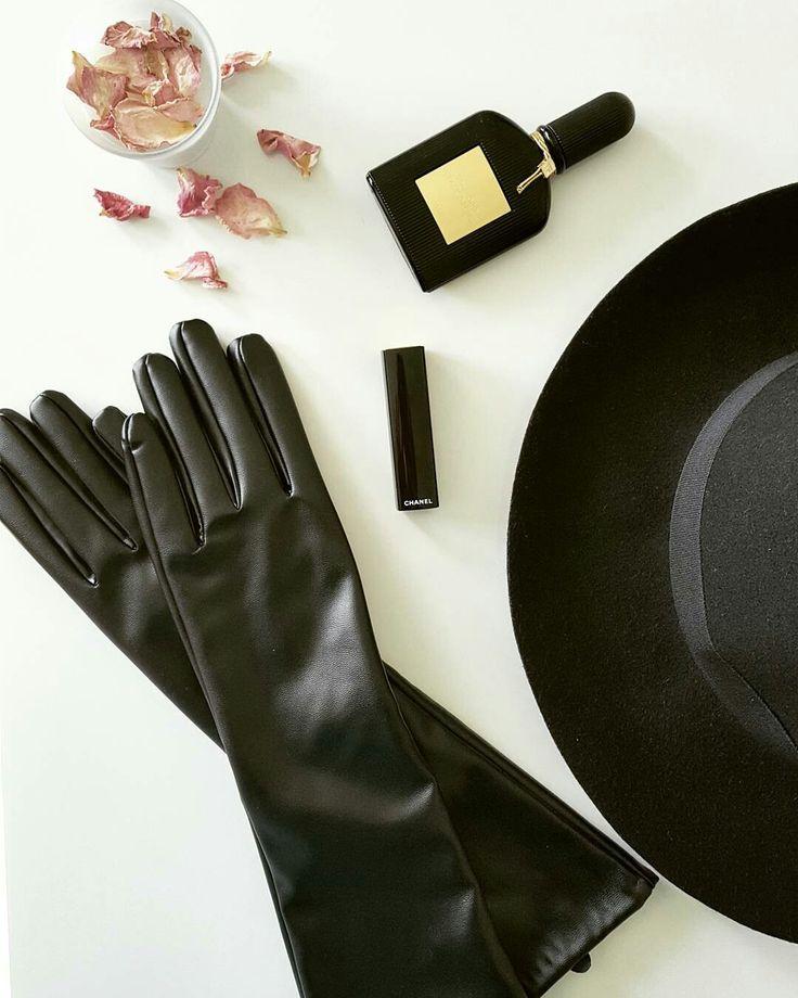 #gloves #black #hat #tomford #chanel