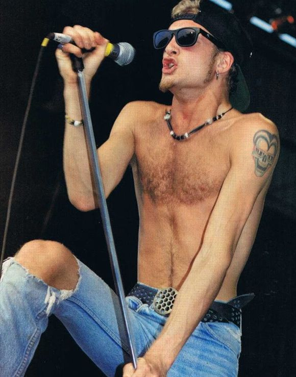 Layne Staley - still totally in love with him. I know. It's weird.   He was the voice.