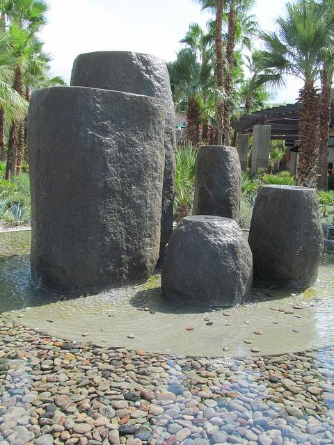 Mineko Grimmer. 1998. El Paseo, Palm Desert