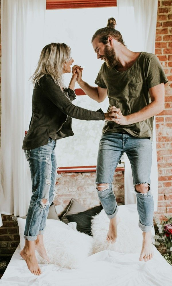 Cozy at-home engagement session | Image by Vic Bonvinci Photography