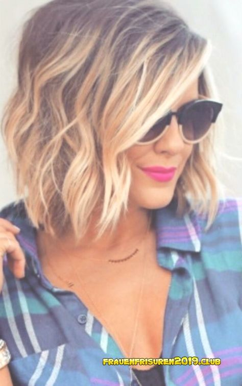 Blond Frauen Frisuren 2019 Schone Wavy Bob Frisuren Fur Frauen