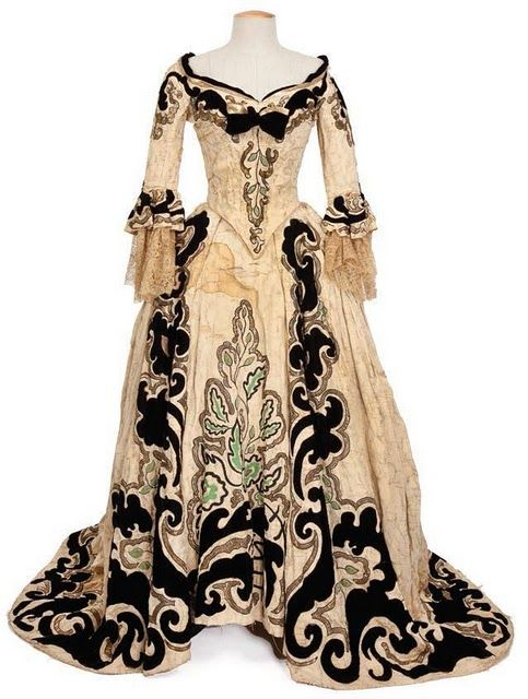 Marie Antoinette, 1938  Costume design: Adrian, gown worn by NormaShearer