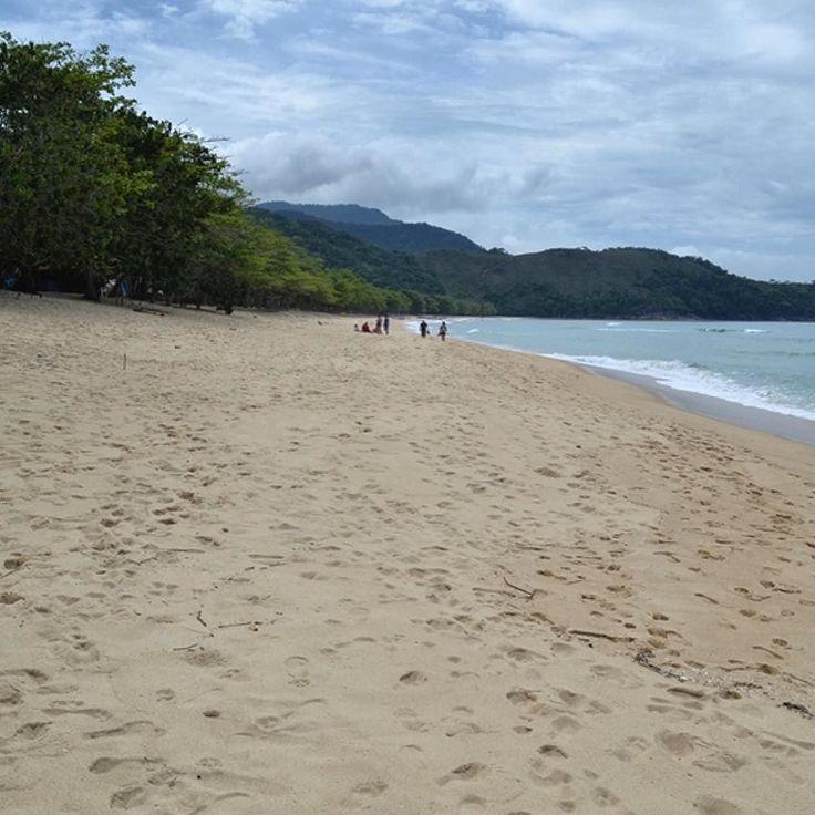 Tudo que eu queria agora era estar na calmaria da Praia do Sono em Paraty! E vocês? #mydestinationanywhere