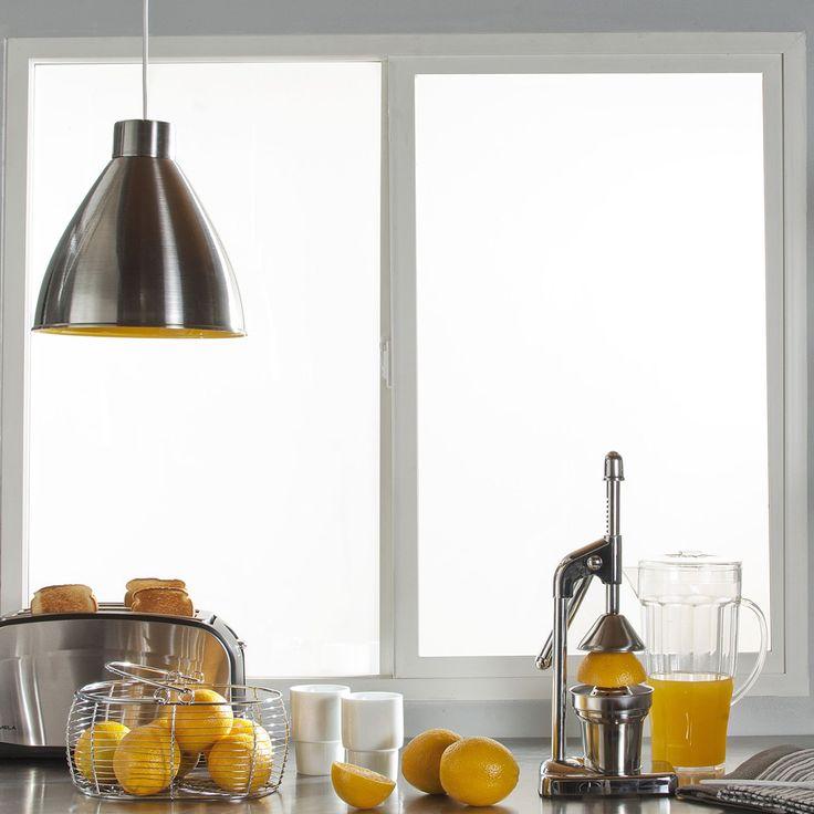 Ventana PVC Termopanel Wintec es un marco para ventana de una hoja corredera y una hoja fija, con cierre central de seguridad