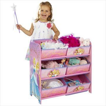 DISNEY PRINCESSES/PRINSESSER Lagringsreol med 6 Bokser. Flotte lagringsreol med 6 oppbevaringsbokser vil gjøre rydde opp en morsom opplevelse for dine små! Med sin sterke MDF ramme og 6 stoff skuffer, er det ideelt for å holde klær, leker og spill ryddig. Den høye kvaliteten grafikk vil se perfekt i barnerommet eller lekerom og er en sikker måte å oppmuntre barna til å rydde unna på slutten av dagen.Kr 869