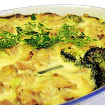 Tonfisk och pastagratäng med gröna grönsaker