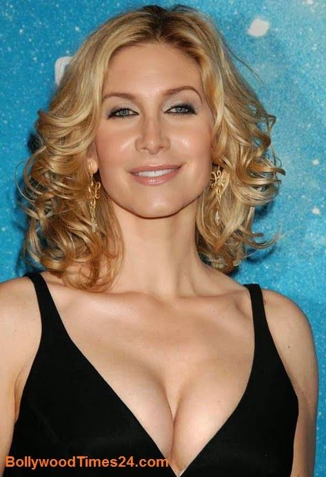 Elizabeth Mitchell Body Measurements,Elizabeth Mitchell -5547