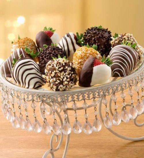 Elegant Chocolate Covered Strawberries
