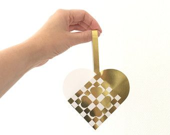 Danish christmas woven heart ornament - Hearts in White and Gold.