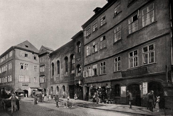 """Praha Neznámá on Twitter: """"Pražské ghetto 1902. Nová škola v Josefské třídě. Fotografie Jindřicha Eckerta.https://t.co/IYsrUeKgVk https://t.co/TTrdi48XFu"""""""