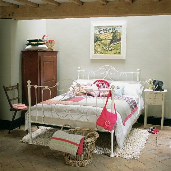 24 best images about metal beds on pinterest vintage for Country bedroom designs