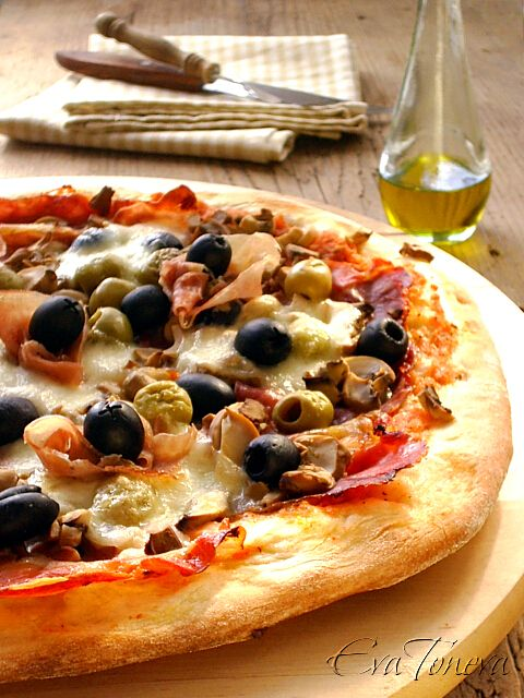 """Pizza """"Capricciosa"""""""