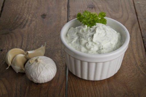 Ons favoriete recept voor homemade knoflooksaus
