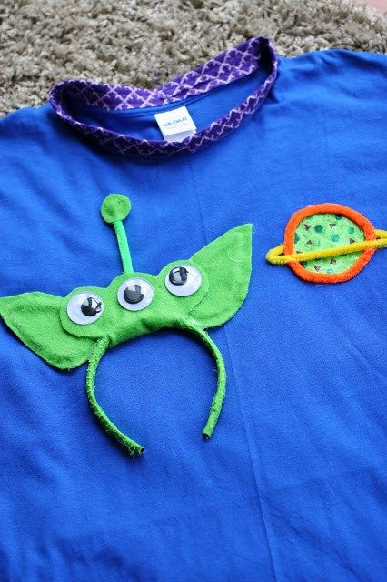 DIY Toy Story Alien Costume. From Ariel and Alder. For more costume ideas for Mickeys Not So Scary check out HowtoMCO