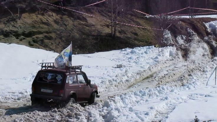 В этом видео вы сможете увидеть один из заездов из клссса Нива участник соревнований ОФФ РОАД Мурманск