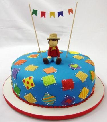 Bolos de Festa Junina http://vilamulher.terra.com.br/bolos-de-festa-junina-17-1-7886462-233-e-97.html foto: Cake Design