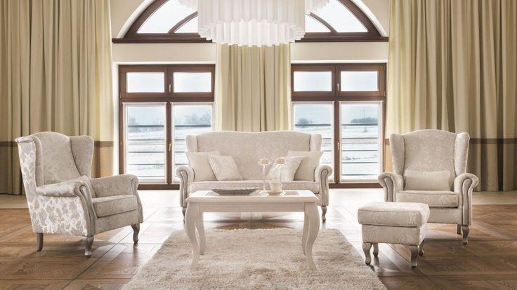 Stylizowane meble wypoczynkowe na wysokich nóżkach. Zestaw wypoczynkowy: 3-osobowa sofa i 2 wygodne fotele z podnóżkiem. Do kompletu warto dobrać stylizowany stolik kawowy na wysokich nóżkach.