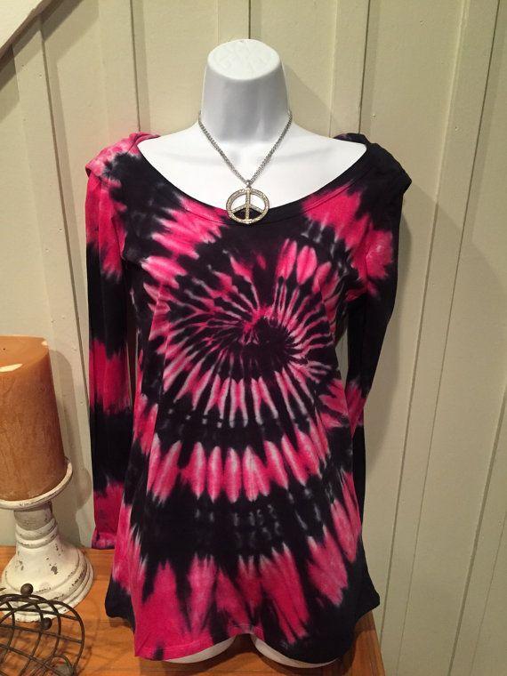 """Tye dye t-shirt hoodie, """"modern kuiken hoodie"""", zwart en heet roze kleurstof overhemd, katoen jersey met lange mouwen t-shirt"""