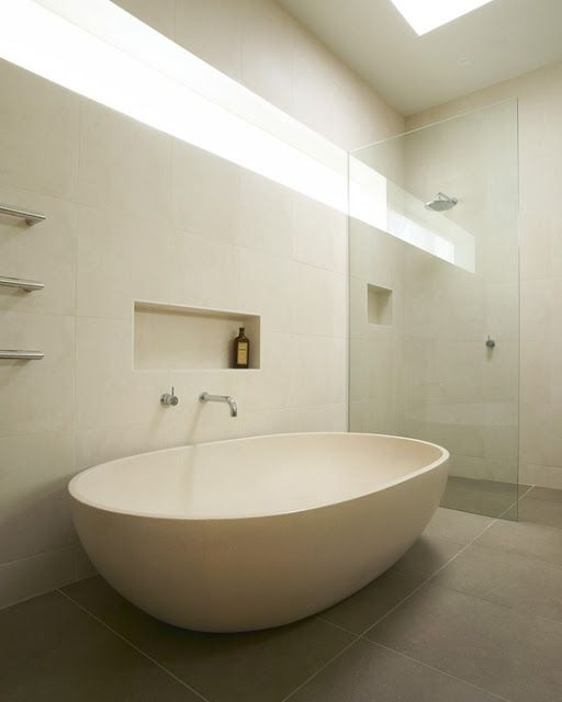 Stand Alone Bath With Niche