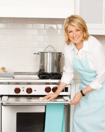 Here are Martha's tips on how to clean every part of your stove. #MSL #cleaning #stove