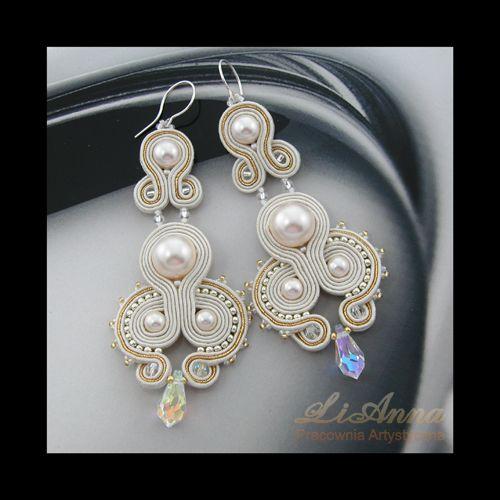 ślub, ślubne,wesele,białe,oryginalne,biżuteria ślubna ,biżuteria artystyczna,haft sutasz,handmade,hand made,kolczyki,rękodzieło,sutasz,soutache, kolekcja 2011,LiAnna,srebro, perła swarovski