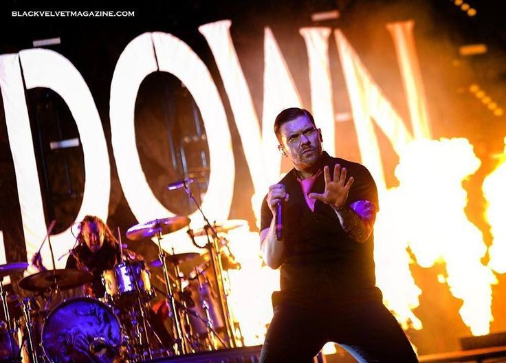 #Repost @blackvelvetmagazine: A week today we were in #LittleRock seeing Five Finger Death Punch #Shinedown Sixx:A.M. and As Lions. How's it been a week already? FINALLY put some @Shinedown photos up at www.blackvelvetmagazine.com/shinedownphotos.htm #brentsmith #barrykerch #verizonarena #concert #arenashow #arkansas #rock #shinedown #shinedownnation