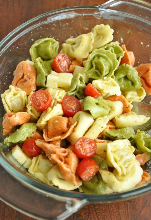 Tortellini Pasta Salad. Can be made the day before... perfect for summer BBQs!