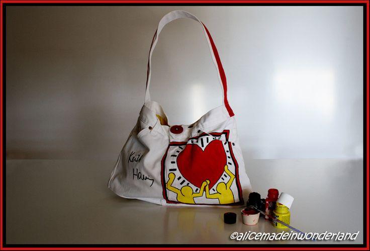 KEITH: Borsa dipinta ispirata ai cuori di Keith Haring