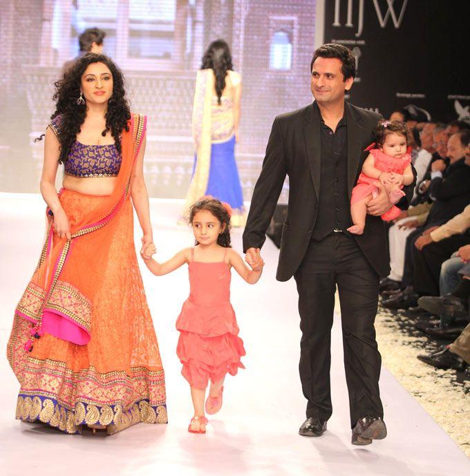 Bollywood Photos   Celebrity Photos   Movie Photos ...
