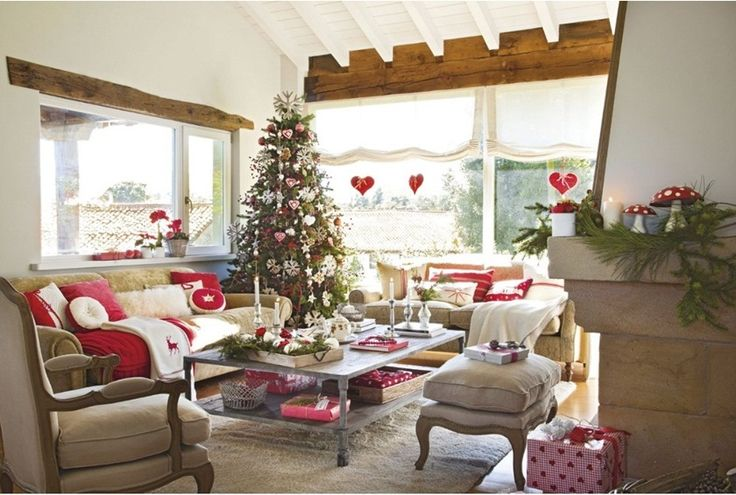 Yeni yıl ruhunu yansıtan bir ev...