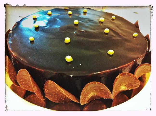 Chocolate perline mousse cake