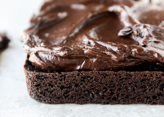 one bowl fudgy whiskey chocolate cake - with irish cream chocolate ganache (and lucky charms marshmallows...) I howsweeteats.com