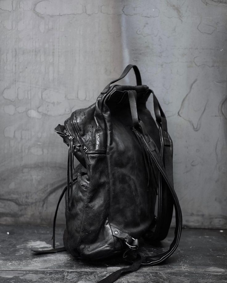 Leather comfortable backpack 081Y _ #ytn7  #leatherbackpack #artisanalbags #black #avantgarde #dark #pfw2018 #avantgarde #blackleather #darkluxury #pfw #streetstyle #streetfashion #blackfashion #darkstyle #darkluxury #artisanal #avantgardefashion #parisfashionweek #pfw2018 #witch #darkbeauty #goth #alternative #witchstyle #alstyle #backpack