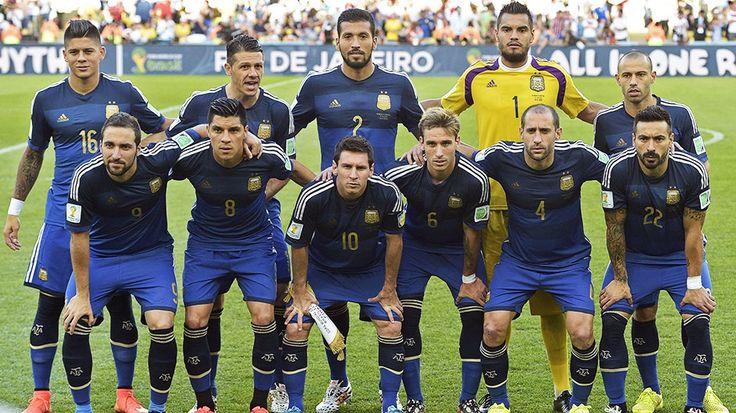 Calificá a los jugadores de la Selección  Pese a la derrota en la final, Argentina tuvo varios puntos altos contra Alemania. Mascherano volvió a destacarse. El mediocampo fue la zona de mejor rendimiento. El ataque, lo más flojo http://mundial.popular.tv/noticias/1059-califica-a-los-jugadores-de-la-seleccion