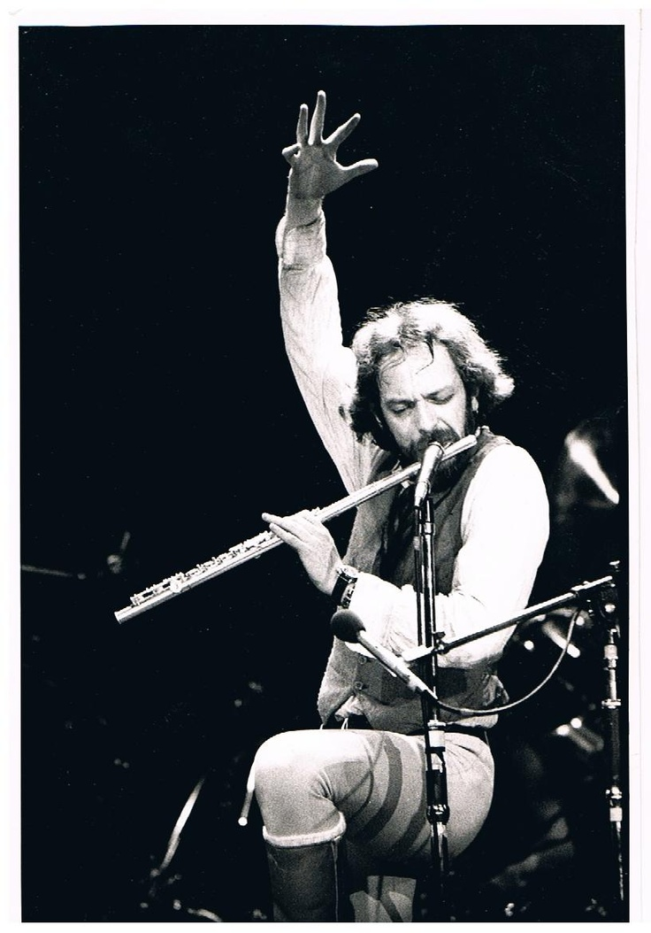 Jethro Tull...loudest concert ever attended...Pgh. 1970 with R. Barron...LL